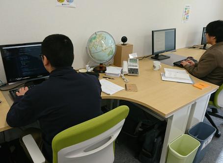 豊橋技術科学大学の学生を迎えて実務訓練を実施中
