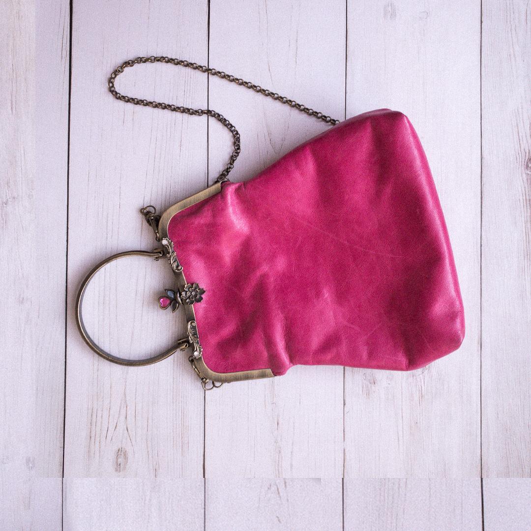 pink-vintager-clutch-B-2