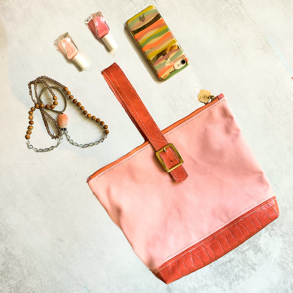 Pink peach retro clutch