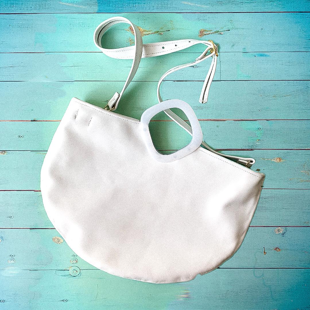 white-tote-bg-A
