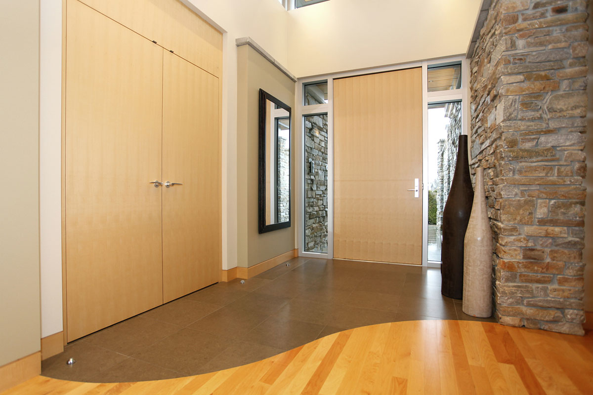 interior foyer to entry