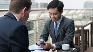 A que assuntos devem prestar atenção ao confirmar o conteúdo do contrato de um negócio internacional