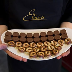 Cadeaux d'entreprises, chocolats corporatifs québec, logos et imprimés en chocolat, sérigraphie, service de livraison, ville de Québec
