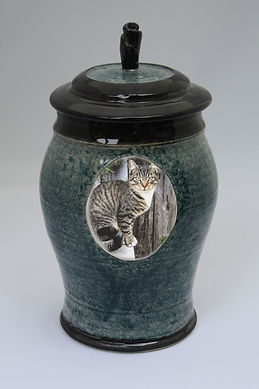 Pet Urn - Speckle Classic Style