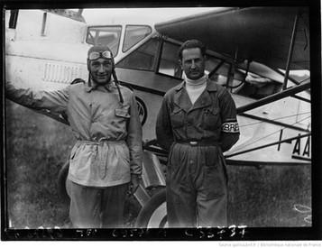 Orly : concours d'avions de tourisme : de gauche à droite, Libberati et Ventur : [photographie de presse] / Agence Meurisse 1929