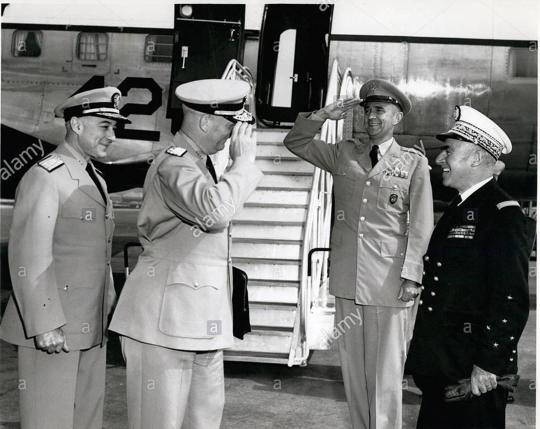 Amiral A. A. Burke - 080855