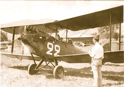 Morane Moth N°22 F-AJRO d'André Hermann ©Jacques Hémet Le Morane Moth d'André Hermann est vraisemblablement le F-AJRO (MS 60 n°22). Ceci étant, bien que listés comme Morane Moth MS60, les premiers au moins ont été des vrais Gipsy Moth DH60M, construits par de Havilland (et non des fabrications sous licence) et souvent livrés à Stag Lane, Morane se contentant de jouer l'intermédiaire commercial pour la commande et de mettre son joli petit insigne. Ceci étant, c'était fin 1929 - début 1930