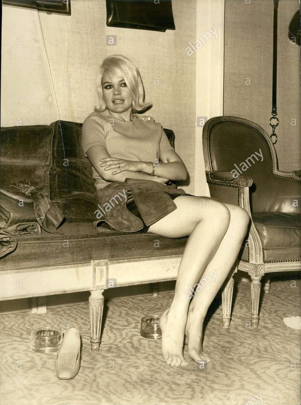 Caroll Baker 1967