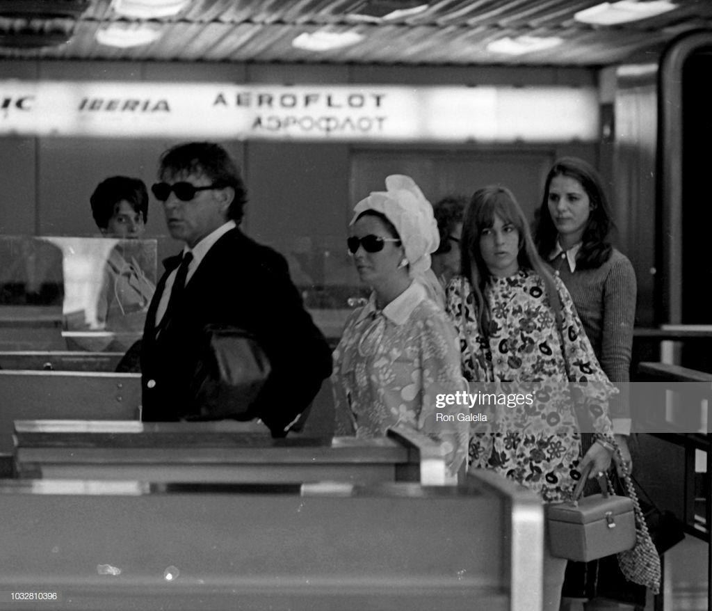 Richard Burton - Elizabeth Taylor - 1968
