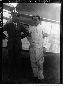 Orly : concours d'avions de tourisme : Capitaine Broad et Weedon : [photographie de presse] / Agence Meurisse 1929