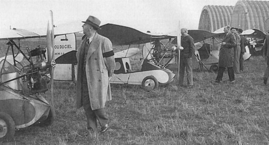 A line-up of Poux at Orly during the October 1935 meeting, when around 15,000 spectators turned up to watch the entertainment. At one stage there were nine Poux airborne at the same time.