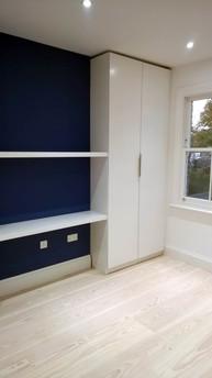 Shelves & Double Hanger