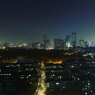 城市夜晚的一个视角