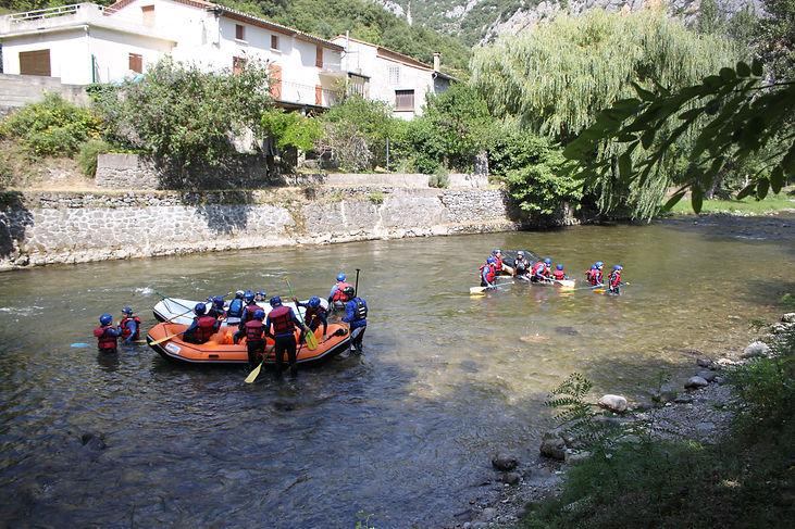 Rafting sur l'Aude, entre Axat, Saint-Martin-Lys et Quillan. Proche de Carcassonne, Perpignan et Toulouse.