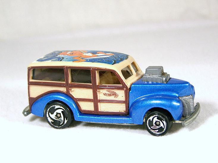 L04-146 .. '40s Woody