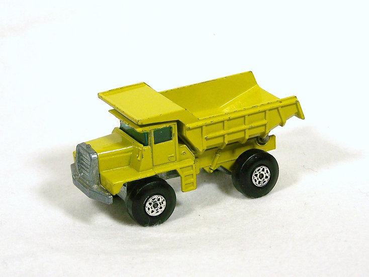 LES 28d-2 .. Mack Dump Truck