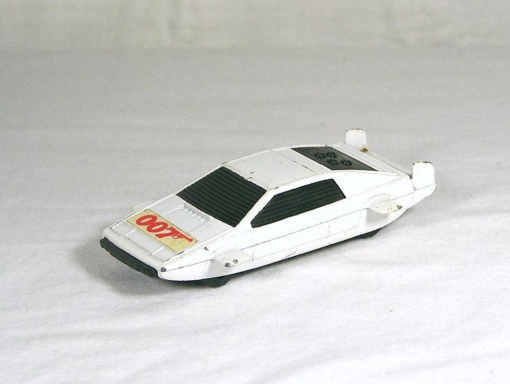 CORGI 60 .. James Bond Lotus Esprit