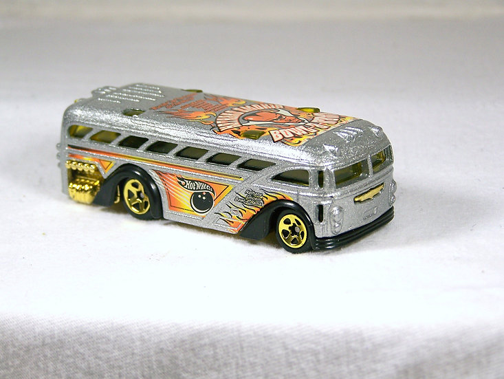 L02-059 .. Surfin' School Bus