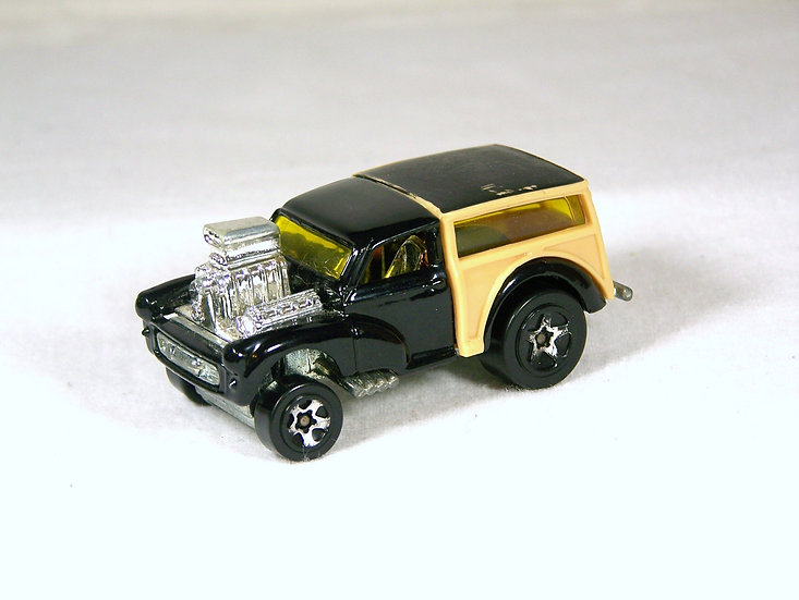 L01-047 .. Morris Wagon