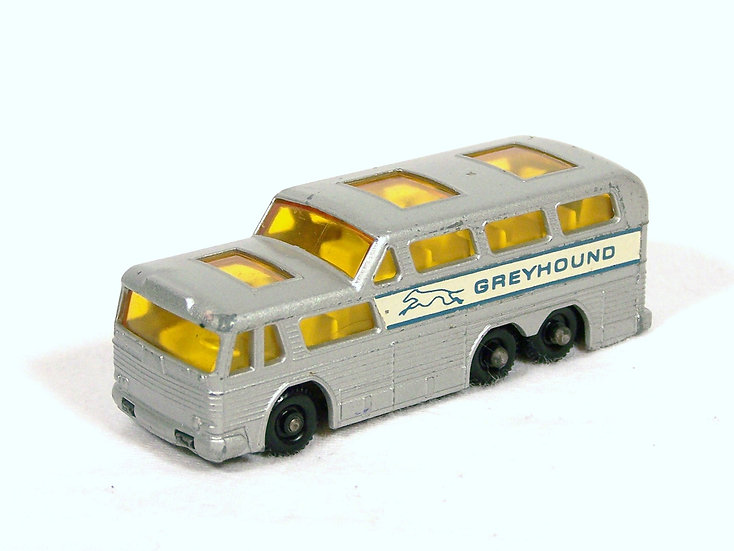 LES 66c .. Greyhound Bus