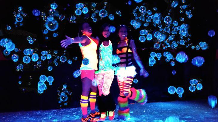 blacklight-bubble-party-web1423097932web