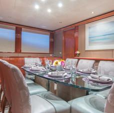 Troca One - Dining room