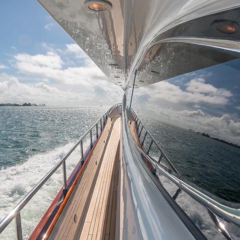Troca One - Miami - ahead