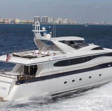 Troca One - Miami - Starboard cruising shot