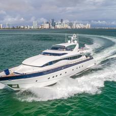 Troca One - Miami - Port cruising shot