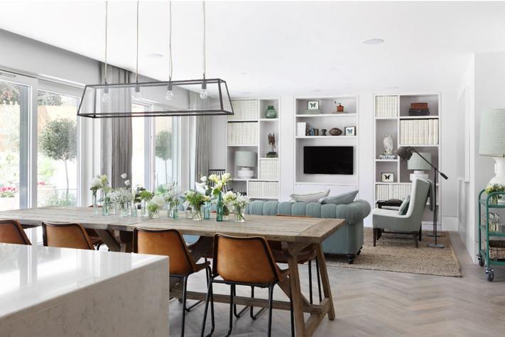 Contemporary bookase & media unit Interior designer - Turner Pocock