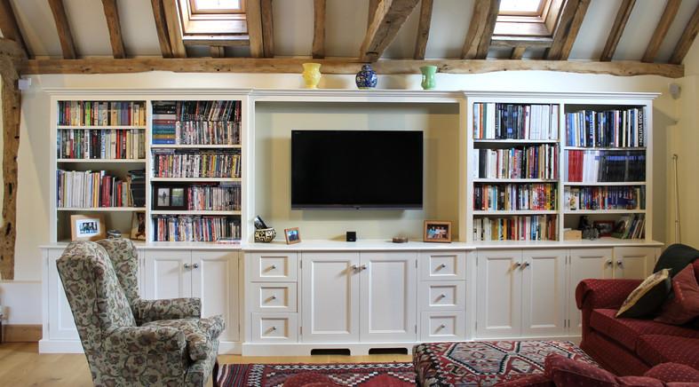 Traditional bookcase & media unit