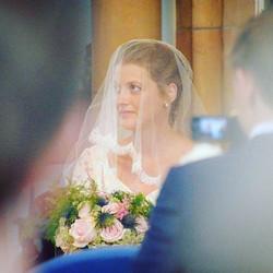 Beautiful Kay on her wedding day 🌸 #bride#bouquet#bridalbouquet#floristwithacamera#wedding#weddingi