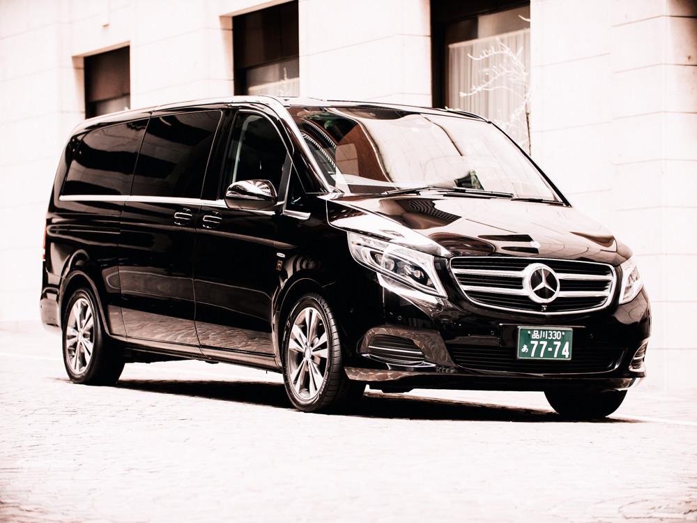 Mercedes Benz V-Class-1.jpg