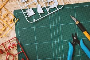 プラモデルのキットと工具
