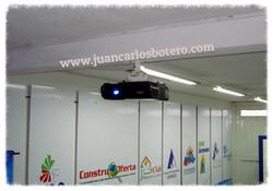 Video Beam en Sala de Capacitaciones
