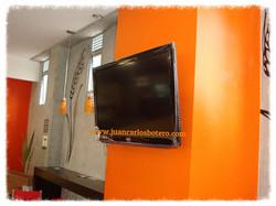 Televisor en Cafetería