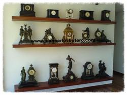Repisa con Relojes