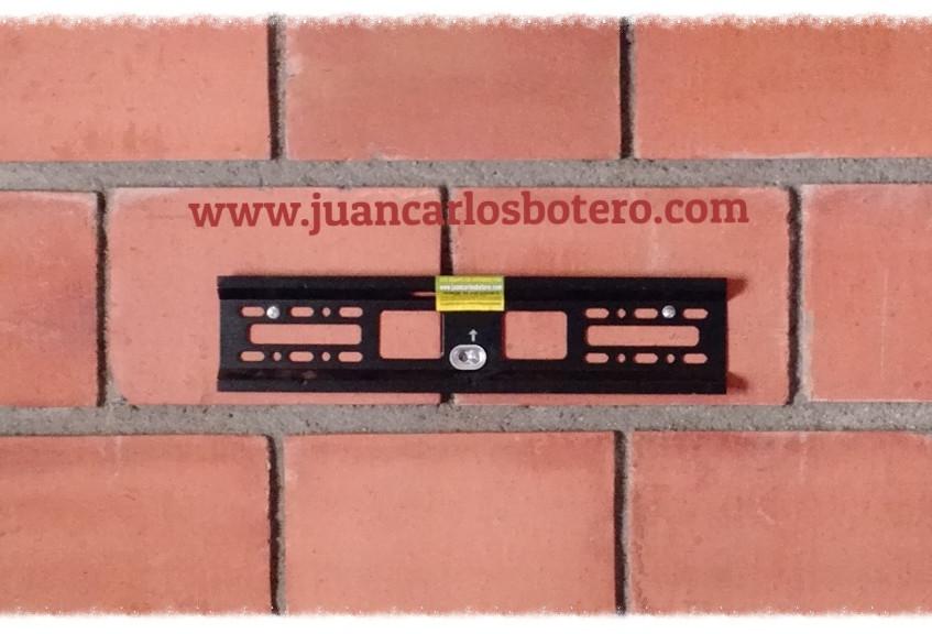 Anclaje especial, para ladrillo totalmente hueco de de mínimo espesor en su pared.