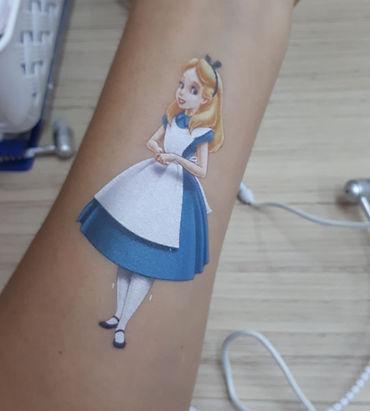 Tatuagem com branco localizado.jpeg
