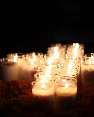 altar candles-4605308_1280.jpg