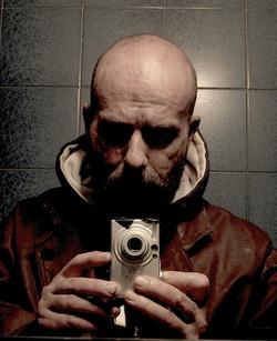 giuseppe-zironi-allo-specchio