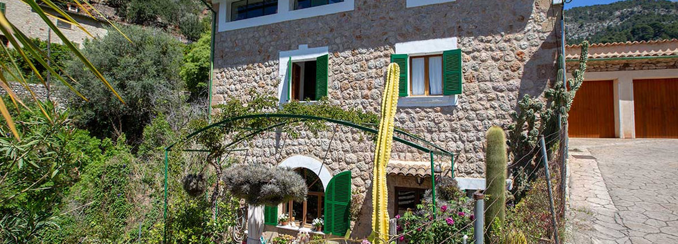 House for Sale in Fornalutx Mallorca