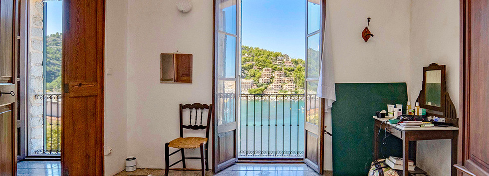Houses with sea views in Port de Soller