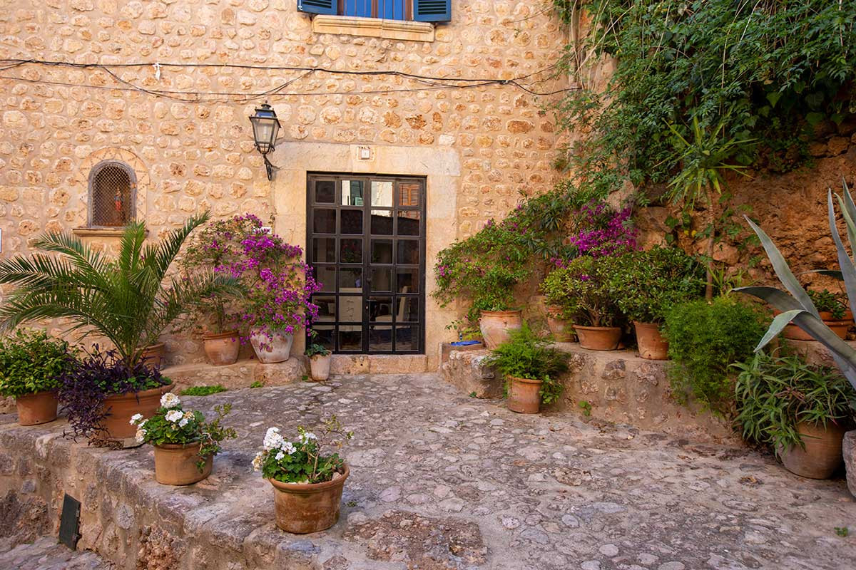 Village House for Sale in Fornalutx