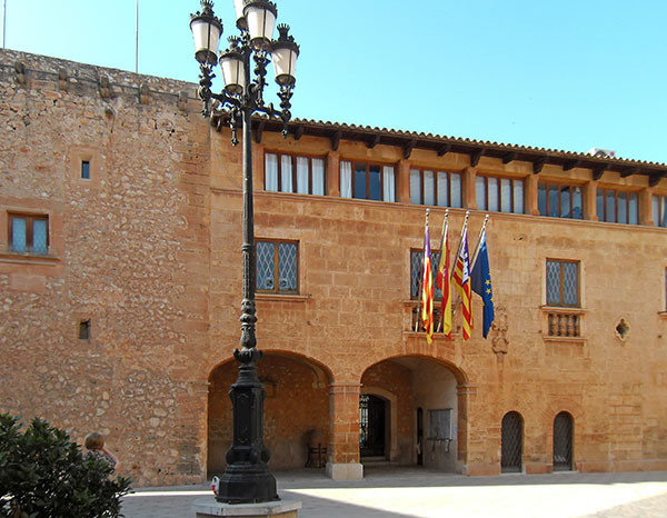 townhall of the town of campos in mallorca