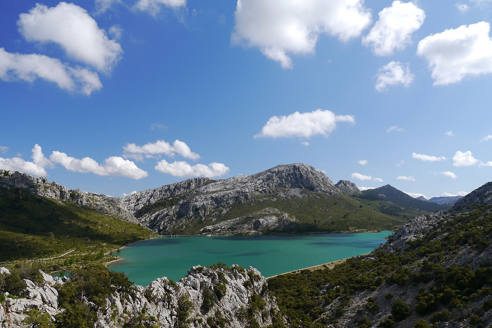 sunny day over the lake of cuber in mallorca