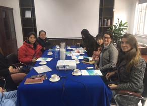 China: visitando fábrica de fibras de poliéster reciclado
