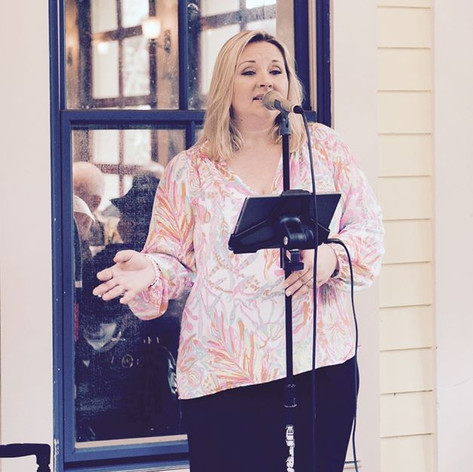 Singing tonight at Sundy House 6pm-9pm