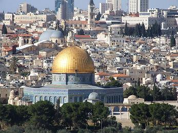 תחנה שניה: סיור ברובע היהודי