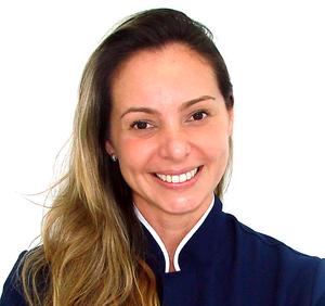 Dª Juliana Paiva é odontopediatra e atende na Clinica Rothier, na Barra da Tijuca.